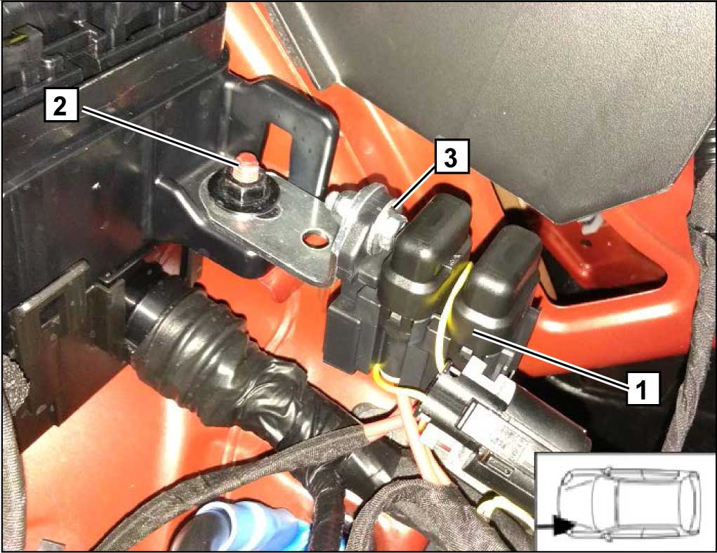 Закрепить подкапотный блок предохранителей 1 штатным болтом М6 2. Использовать угловой кронштейн, болт М5, шайбу и гайку 3.