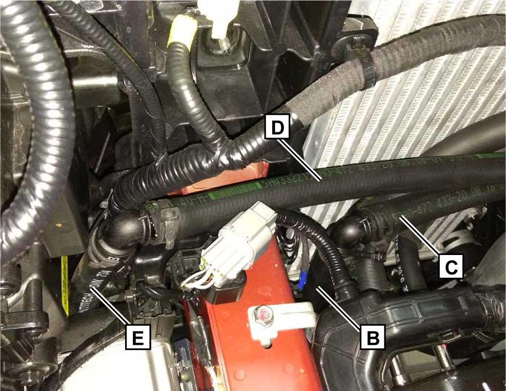 Подключить шланг B к шлангу C, используя угловой соединительный патрубок Ø 18х18 мм.