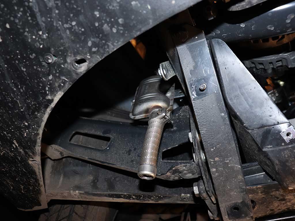Продукты горения выводятся снизу отопителя. Для снижения шума устанавливается глушитель выхлопных газов.