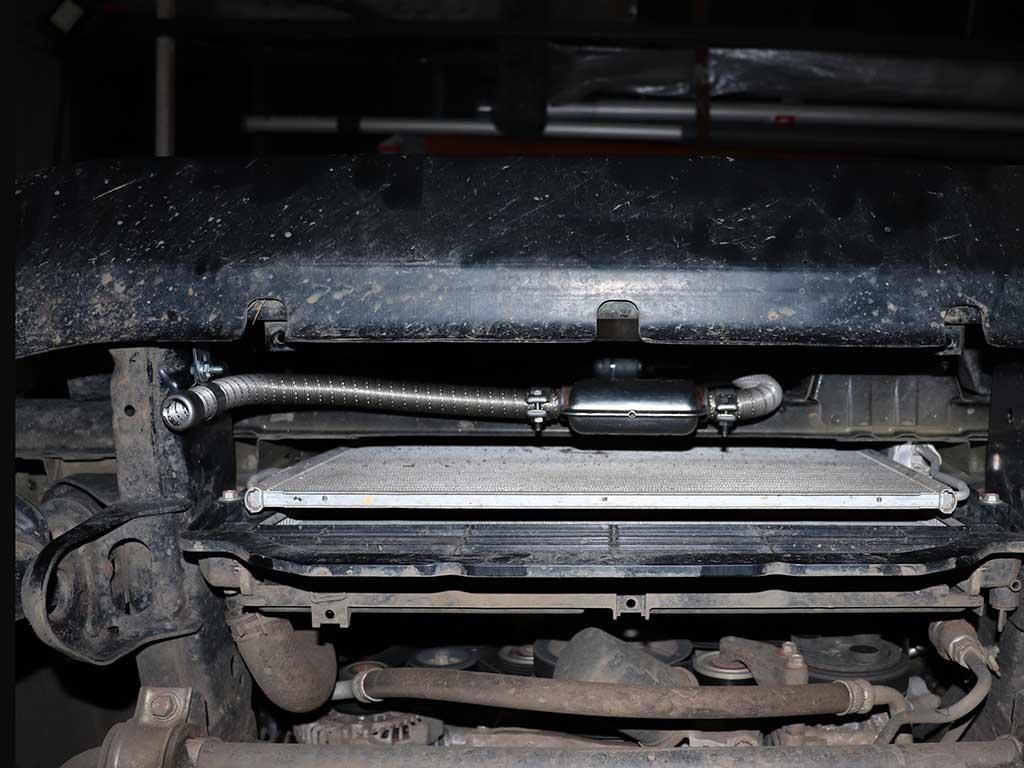 Вся выхлопная система Вебасто установлена внизу за бампером. Обязательным условием является достаточное расстояние до пластиковых элементов машины.